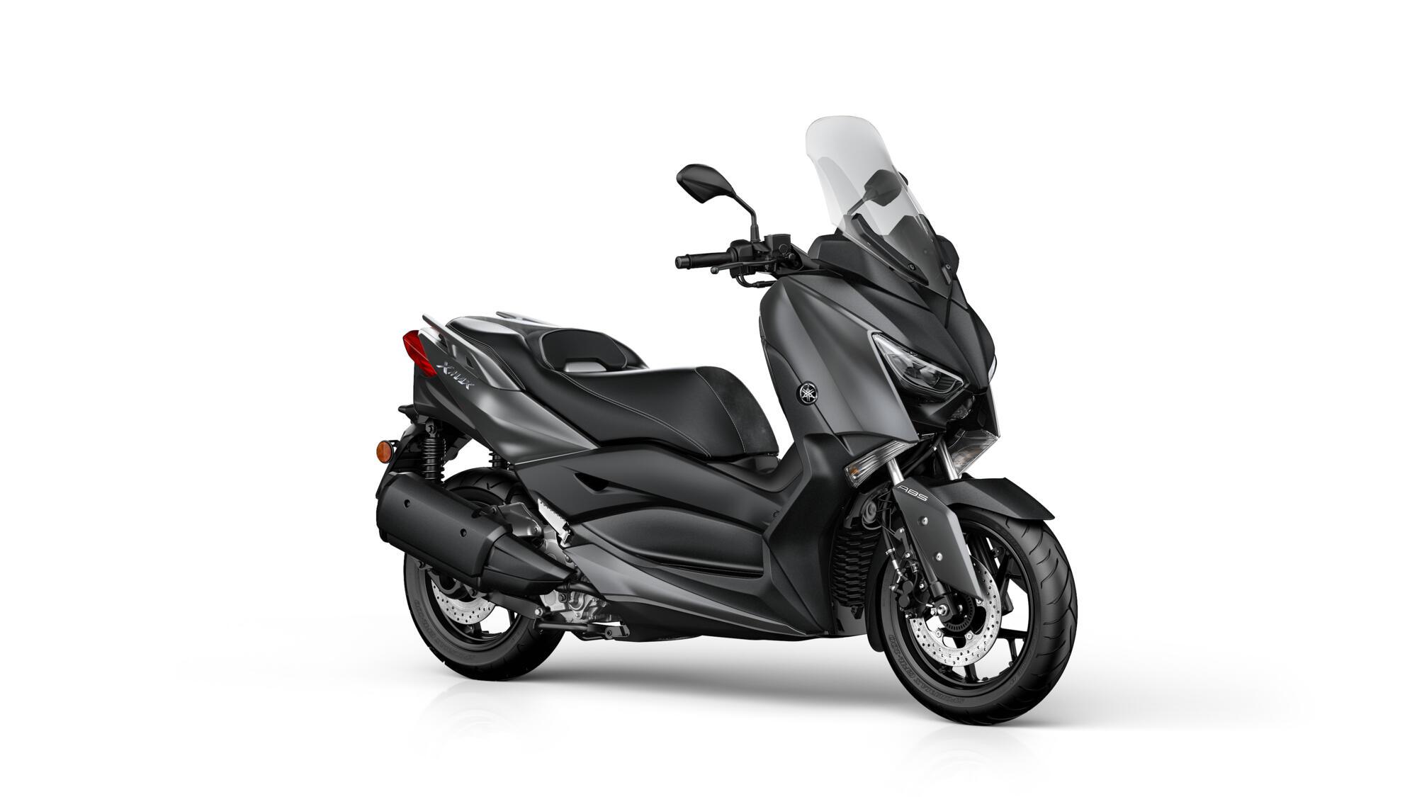 2020-Yamaha-XMAX250A-EU-Sonic_Grey-Studio-001-03